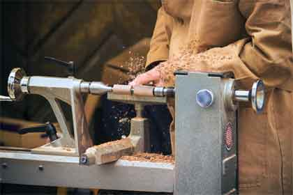 What are the sizes of wood lathe machines