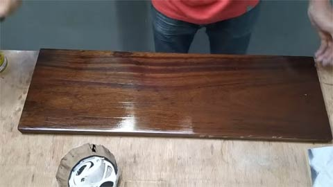 What Kind of Lacquer is the Best for a Smooth Finish